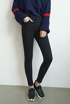 NA842(25〜34) <BR>真正的黑紧身牛仔裤